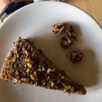 Ořechový koláč s vláčnou cuketou