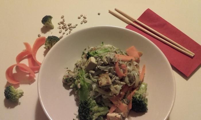 Rýžové nudle s křupavou zeleninou