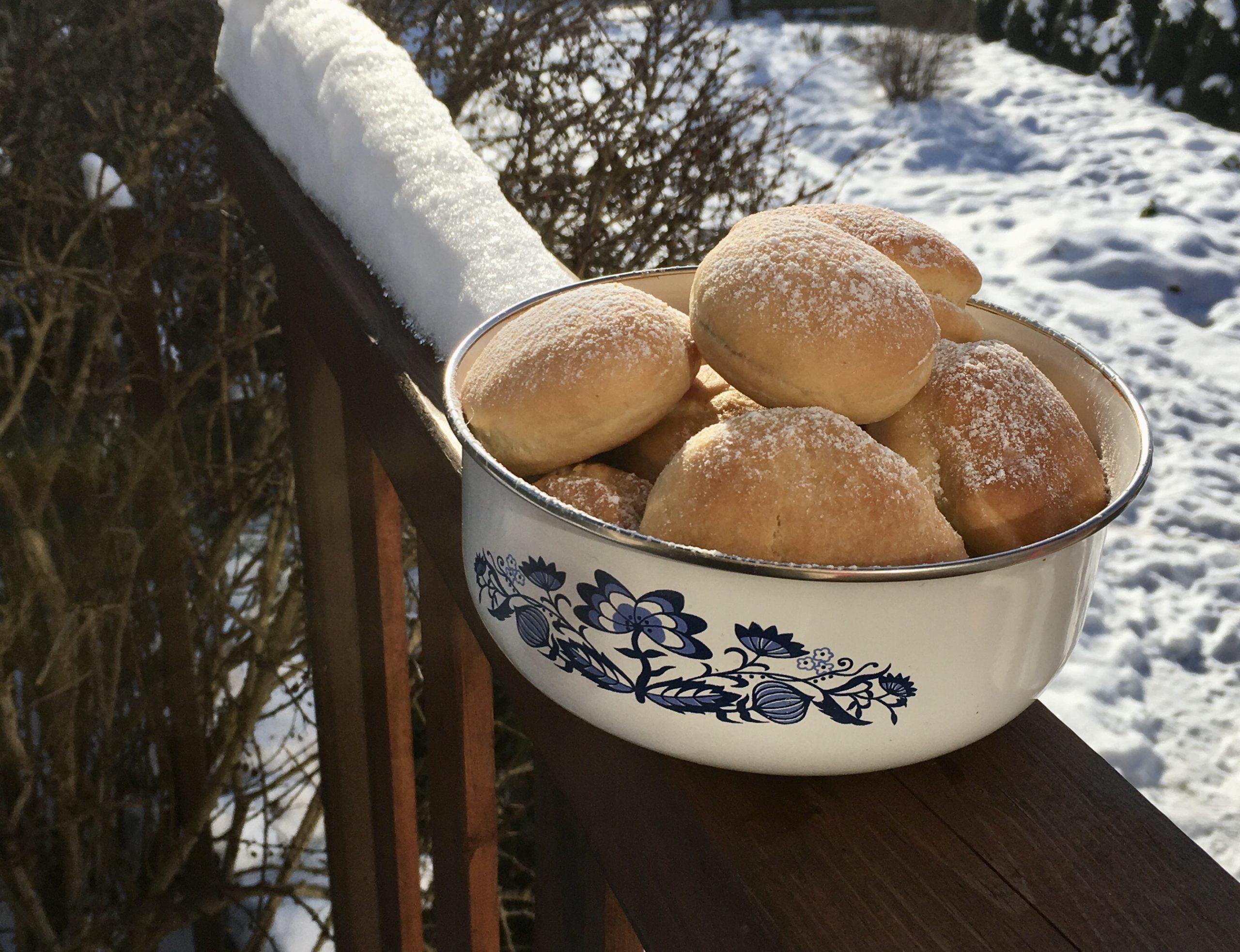 Odlehčené koblihy jsou odlehčeným receptem na velikonoční koblihy