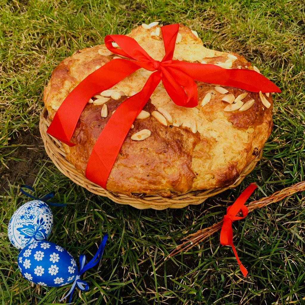 Tvarohový mazanec je velikonoční tradicí.